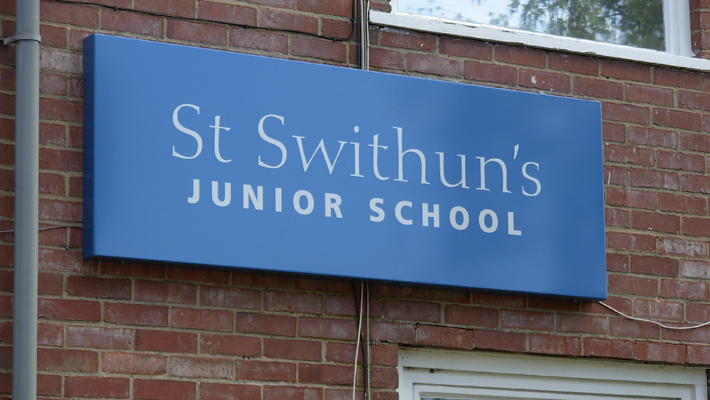 Aluminium tray sign powdercoated in the same RAL colour, a perfect wall mounted solution to complement the modular sign system.